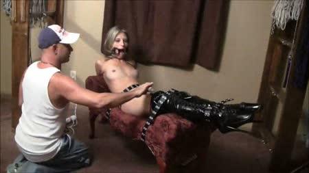 Amateur shared girlfriend threesome videos